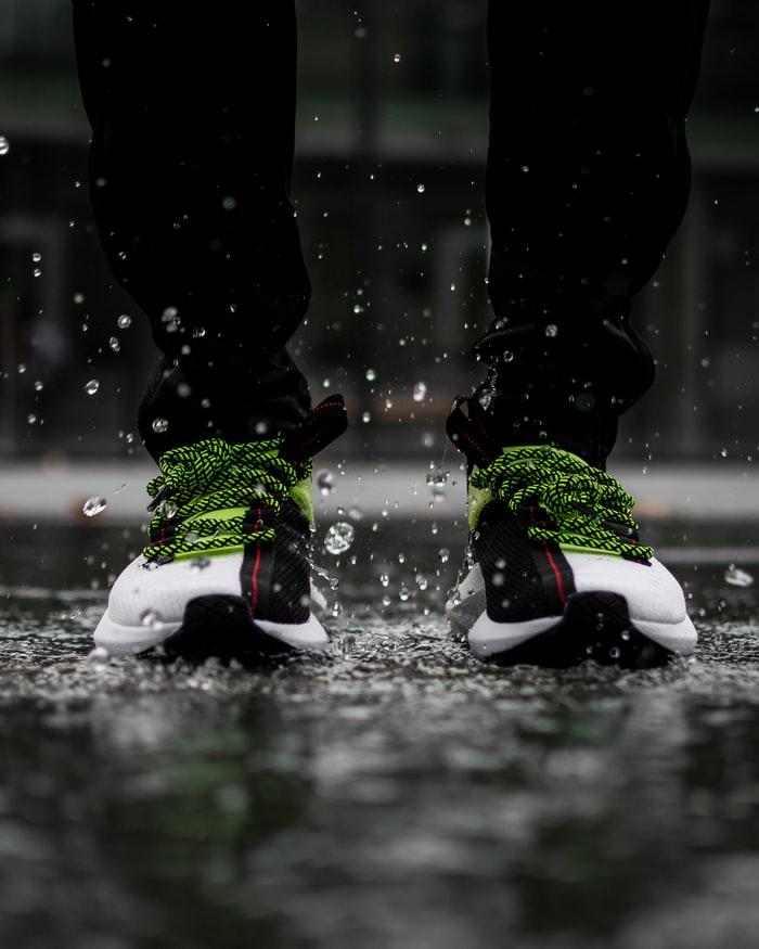 Αθλητικά ανατομικά παπούτσια στο νερό