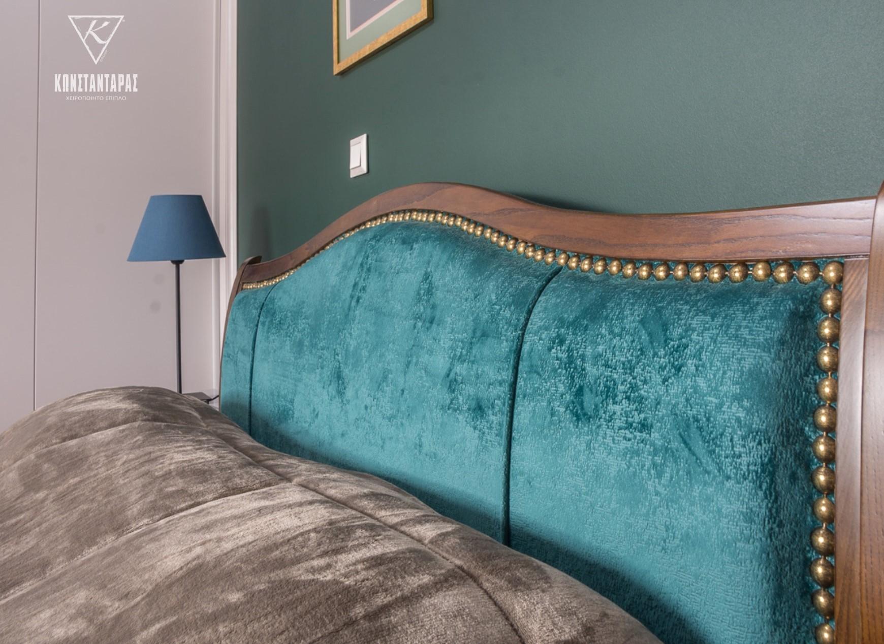 Konstantaras.net - Κρεβάτι Με Γαλάζια Πλάτη